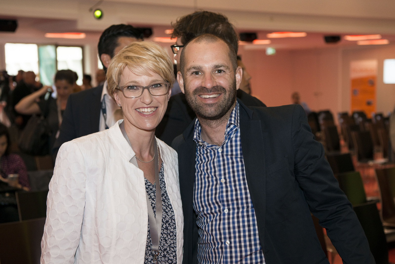 Keynote Speaker Alexander Lewin (Maker Stuidos) mit Susanne Aigner Drews (Discovery D´Communications)